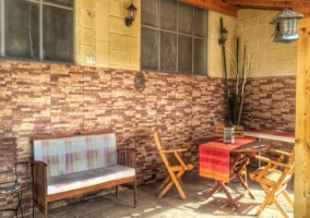 Mobiliario de jardín en la zona exterior de la vivienda