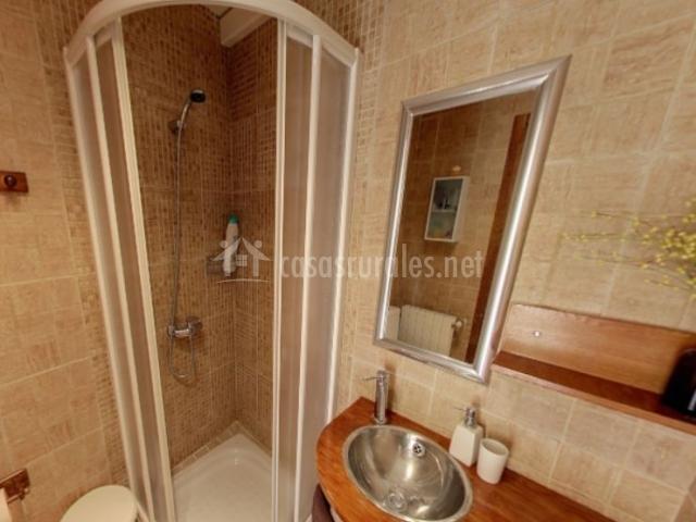 La caseta iii en morella castell n - Cuartos de aseo con ducha ...
