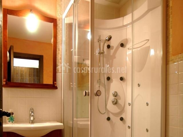 Hoces del cabriel en venta del moro valencia for Cuartos de aseo con ducha