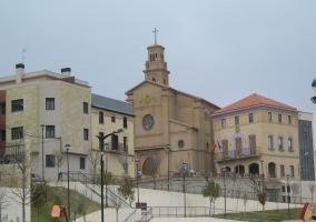 Iglesia y Ayuntamiento de Murchante