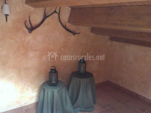 Dormitorio de matrimonio con lamparillas