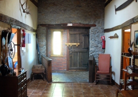 Habitación de matrimonio con techo abuhardillado