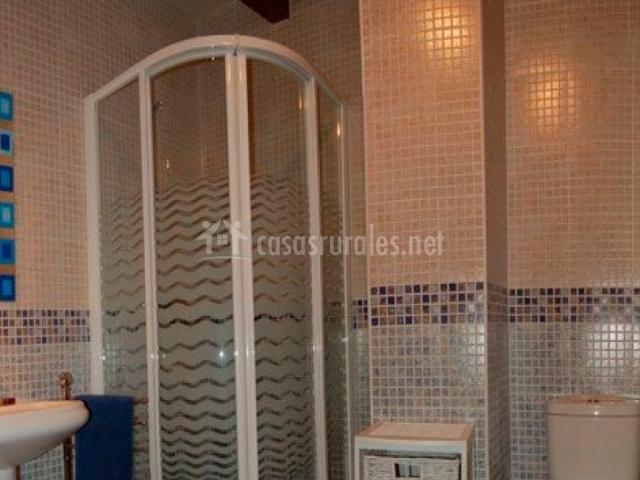Casa marinaguirre en dicastillo navarra - Cuartos de aseo con ducha ...