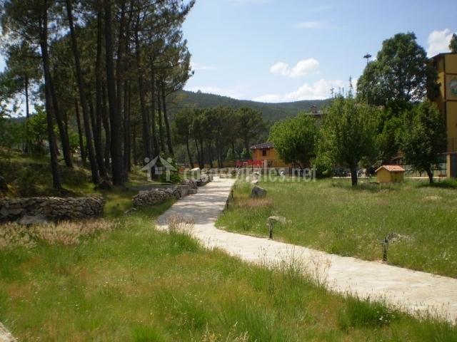 Apartamentos eras del robellano en casillas vila for Casillas para jardin