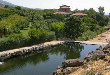 y casa rural Ropino - El Raso, Ávila