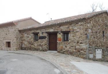 Las Posadas del Arroyo - La Serna Del Monte, Madrid