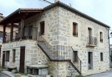 Hostal y Casa Rural La Colmena - Vicolozano, Ávila