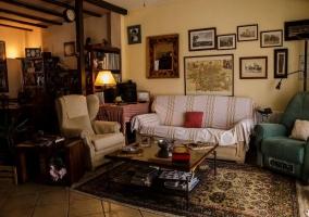 Sala de estar de estilo rústico