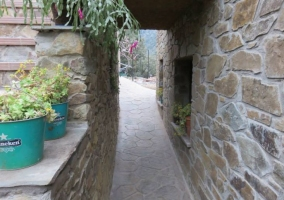 Vistas del patio y la fachada