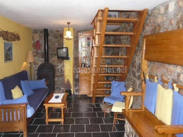 Casa azul  casa engracita en valle de lago (asturias)