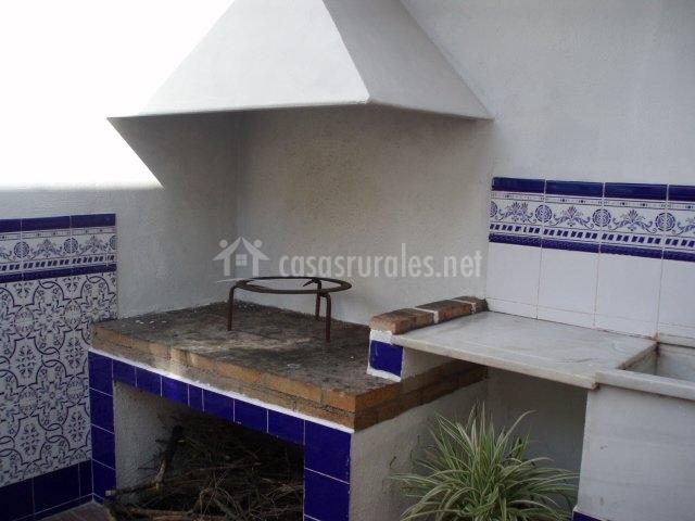 Casa rural la ruesca en sot de ferrer castell n for Barbacoa patio interior