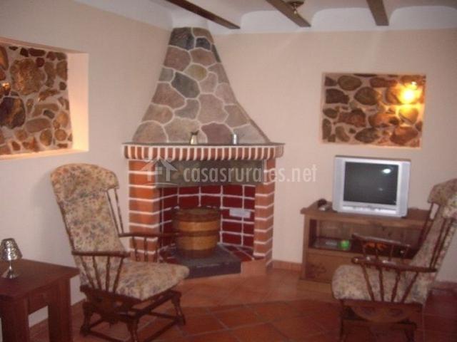 Casa rural la ruesca en sot de ferrer castell n - Chimeneas en castellon ...