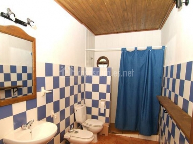Aseo azul con ducha