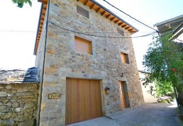 Apartamentos Doña Petra - Vigo De Sanabria, Zamora