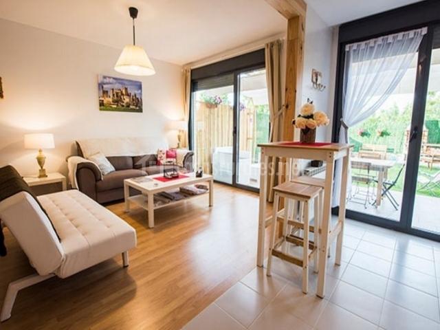casa rural rosaenea en olite navarra On sala de estar decorada con cocina abierta