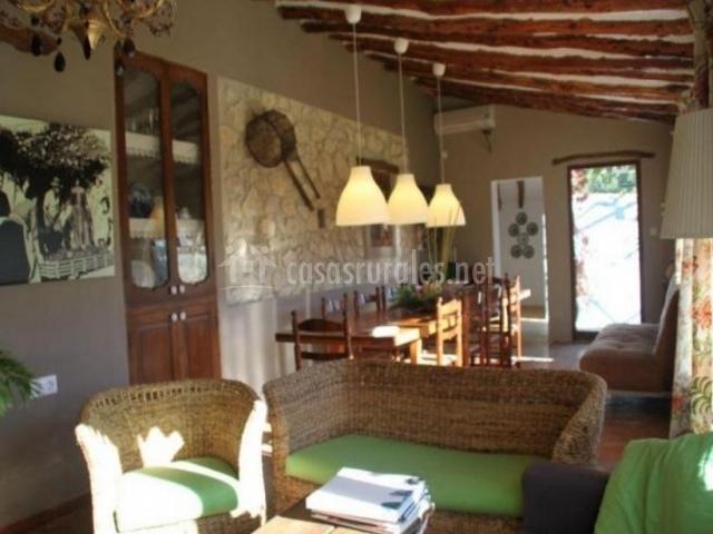 Sala De Estar En Color Verde ~ Sala de estar con cojines de color verde