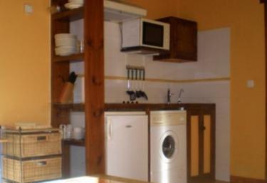 Cocina y sala de estar comunicados