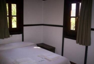 Dormitoro de matrimonio en blanco y negro