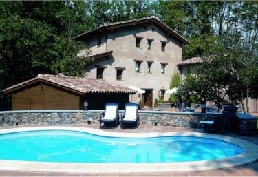 Hotel Can Blanc - Olot, Girona