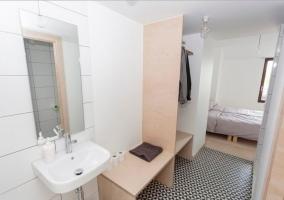 Dormitorio doble con aseo en el propio espacio