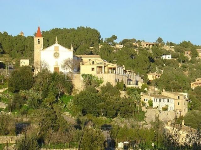 La iglesia y su entorno