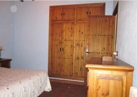 Detalle del aparejador y del armario empotrado de madera