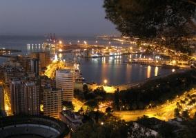 Málaga por la noche