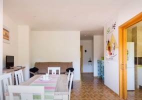 Sala de estar y vistas de la cocina