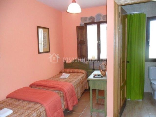 Dormitorio doble rosa