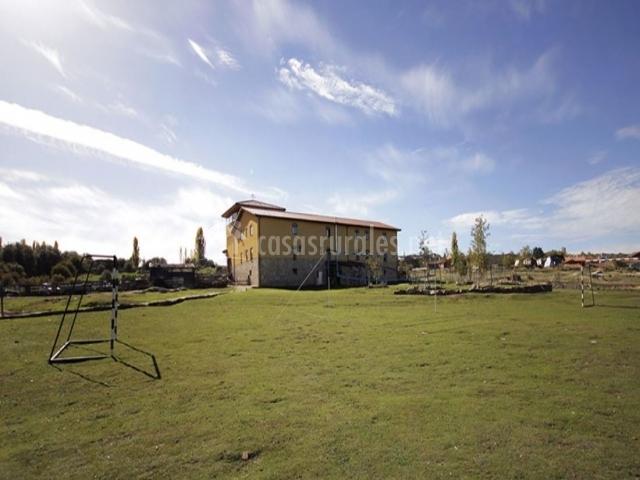 Centro rural granja escuela fuente alberche albergues - Casa rural san martin de la vega ...