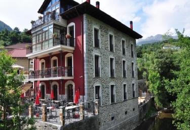 La Casa del Puente - Regules, Cantabria