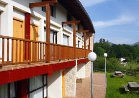 Acceso a los apartamentos con vistas de las terrazas