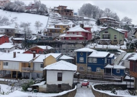 Zona centro del pueblo en invierno