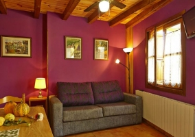 Apartamentos sala de estar en morado