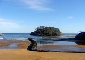 Playas de Lekeitio, a 20 min