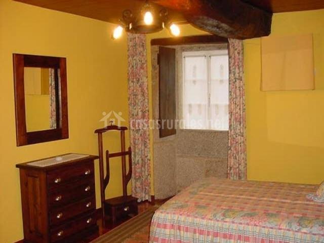 Casa de axerei en san cibrao friol lugo - Casa rural con chimenea en la habitacion ...