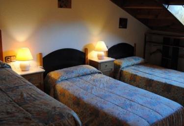 Cal company hoteles rurales en guardiola de bergueda for Habitacion cuadruple barcelona