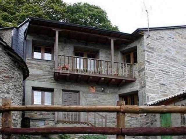 Casa leonor en san ciprian de sanabria zamora - Casas rurales sanabria ...