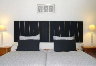Cortijo Doña Carmen - Apartamentos de La Mundial - Málaga (Capital), Málaga
