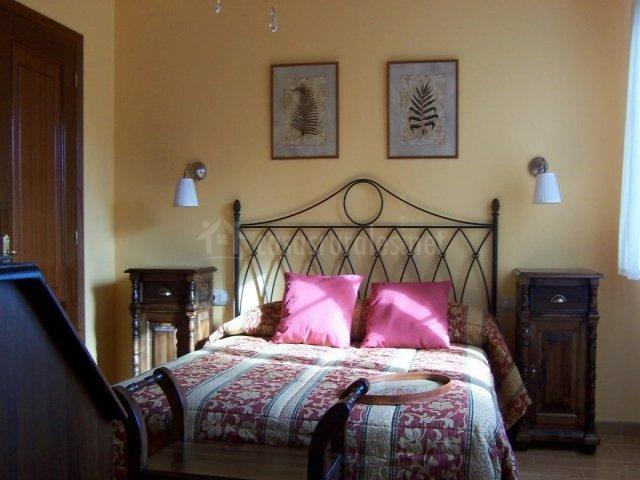 Casa mi eixa en ortigueira a coru a - Cojines cama matrimonio ...