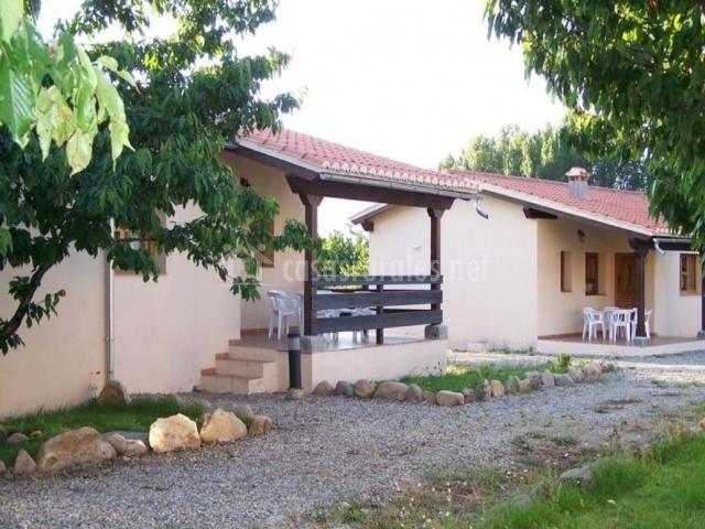 Casas rurales fuente del aliso en hervas c ceres - Casas rurales en el jerte con piscina ...