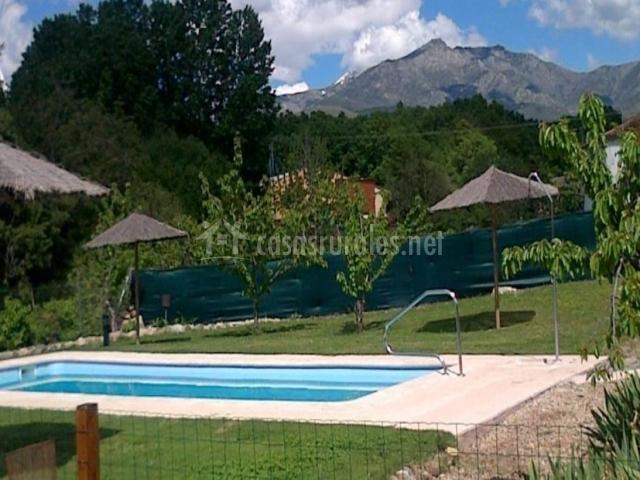 Casas rurales fuente del aliso en hervas c ceres for Casas rurales en caceres con piscina