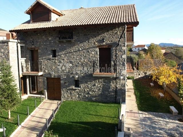 Casa Rural El Churr N En Larres Huesca