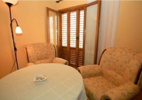 Sala de estar y comedor en madera
