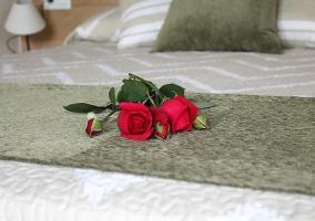 Detalle cama matrimonial