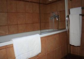Bañera con toallas para los clientes