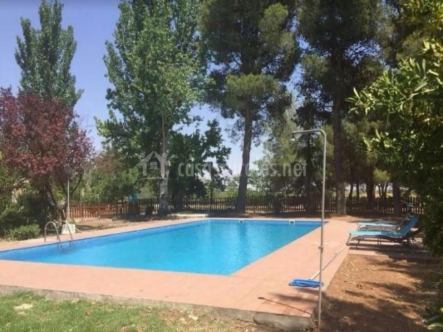 Acceso a la piscina de la casa