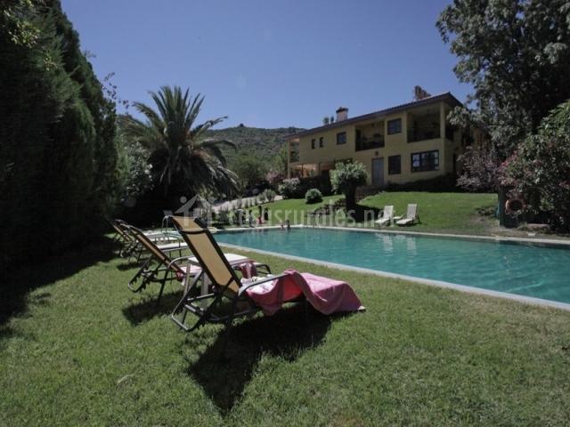 Hotel rural xerete en navaconcejo c ceres for Piscina climatizada caceres