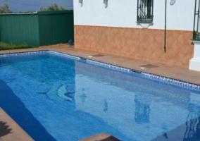Vistas de las zonas de piscina