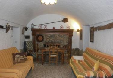 Cuevas la Teja- Los Pesebres - Campo Camara, Granada